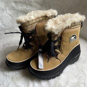 NWT no box Sorel winter boots size 1